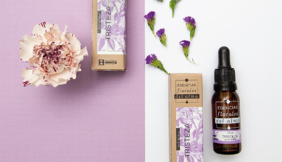 Gotero esencias florales del alma Tristeza con flores moradas
